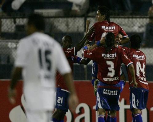 Nacional celebra su gol