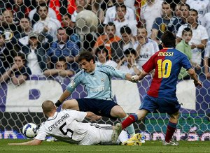 Lio Messi aprovenchando el error