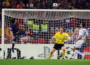 Centro de Iniesta para Messi